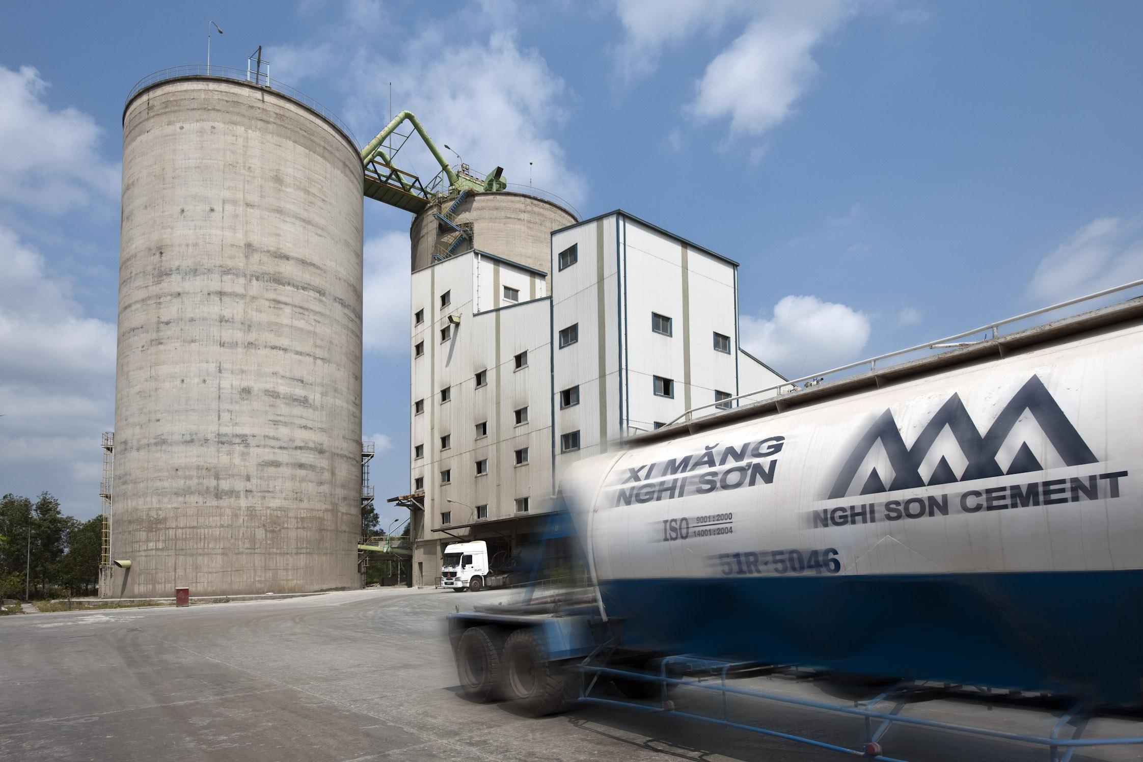 Mitsubishi Cement Plant : Nghi son cement silo references ibau hamburg